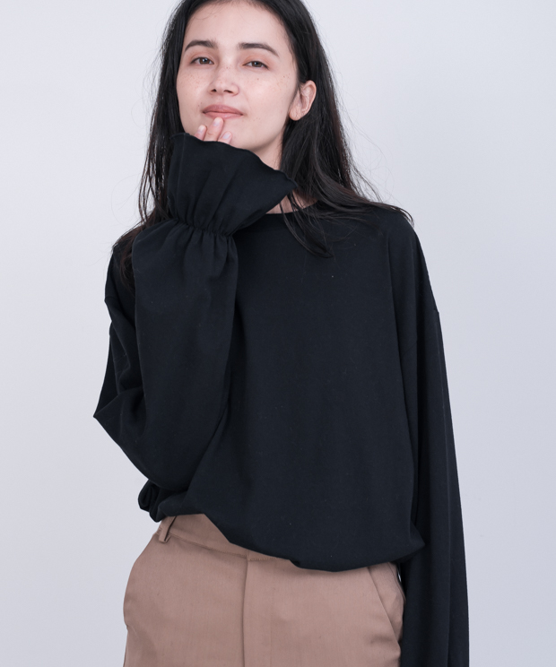 Frill Cuff Sleeve T-Shirt - BLACK