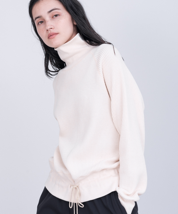Oversized Waffle Turtleneck - NATURAL