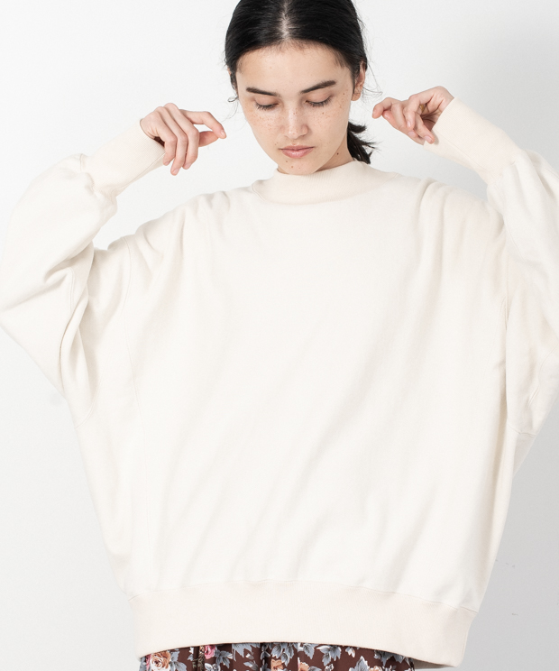 Loose Silhouette High Neck Sweat - IVORY