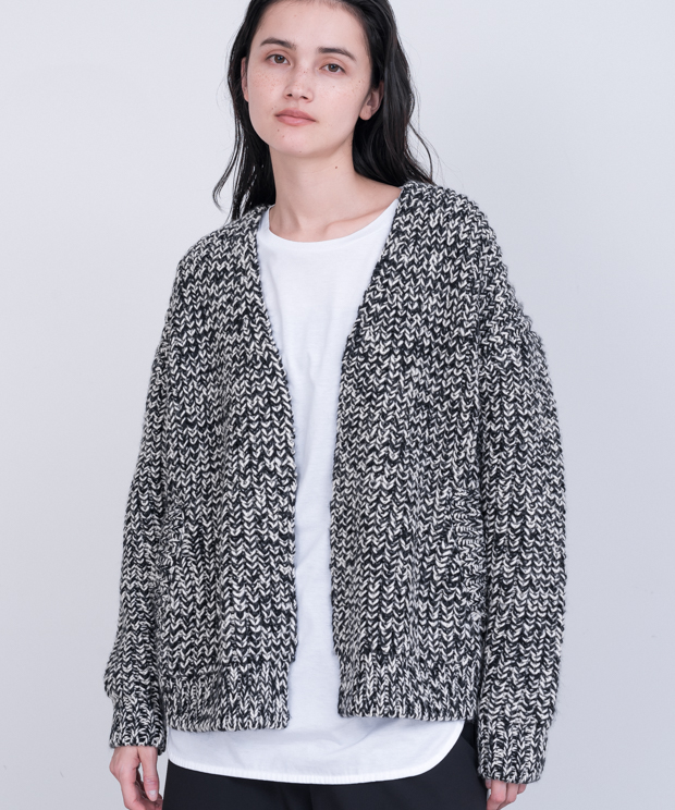Mix Color Buttonless Cardigan - BLACK