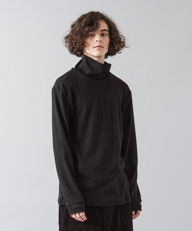 Smooth Turtle Neck - BLACK