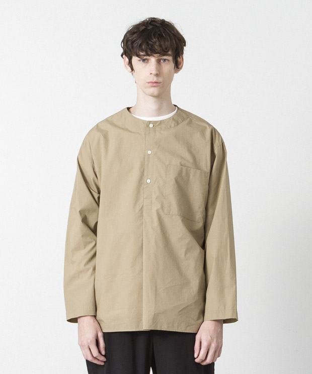 Typewriter Sleeping Shirt - BEIGE