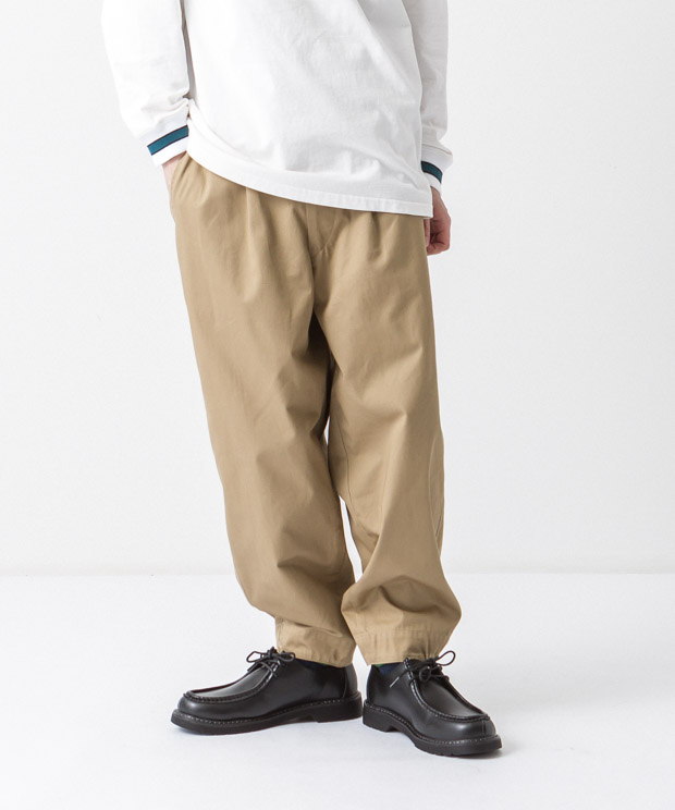 Compact Chino Balloon Pants - BEIGE