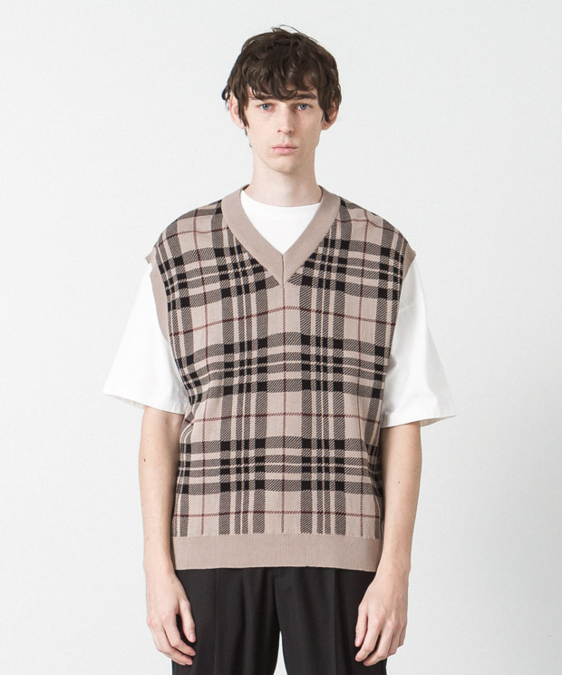 High Twist Jacquard Check Knit Vest - BEIGE