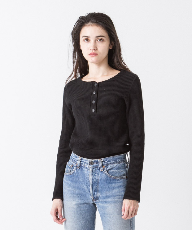 Waffle Henley-Neck Pullover - BLACK