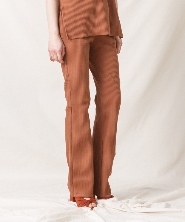Ribbed Pleated Flare Pants - CAMEL