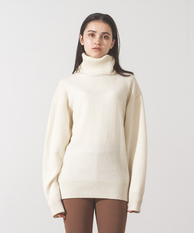 Lambswool Turtleneck Knit - WHITE