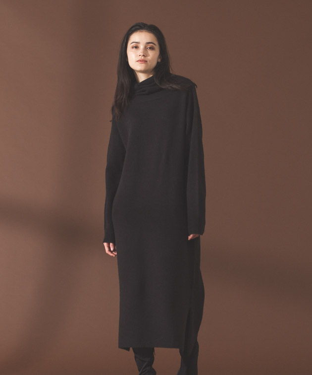 Turtleneck Knit Dress - BLACK