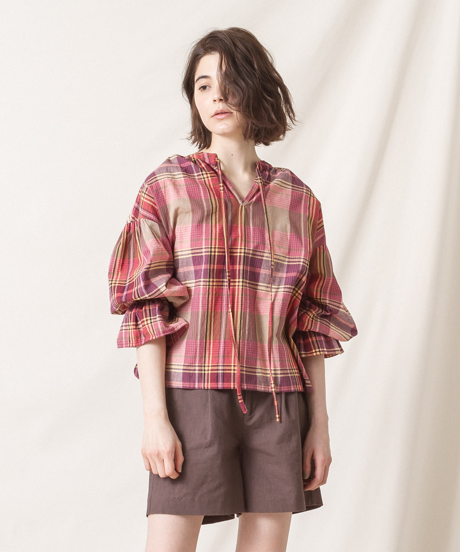 Madras Check Gathered Blouse (EXCLUSIVE) - BROWN