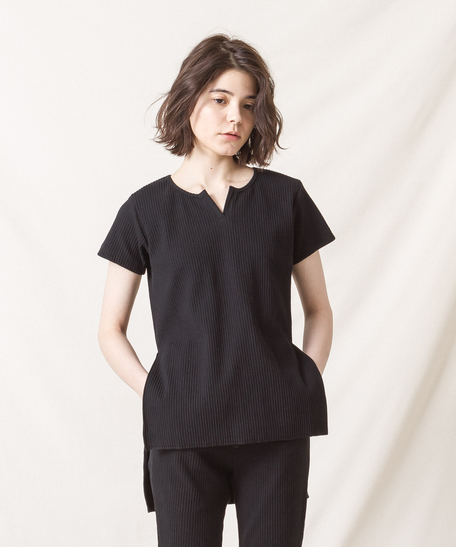 Ribbed Pleated Tunic - BLACK